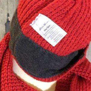 b474fcbf193 Eddie Bauer Accessories - NWT EDDIE BAUER Scarf Hat Combo